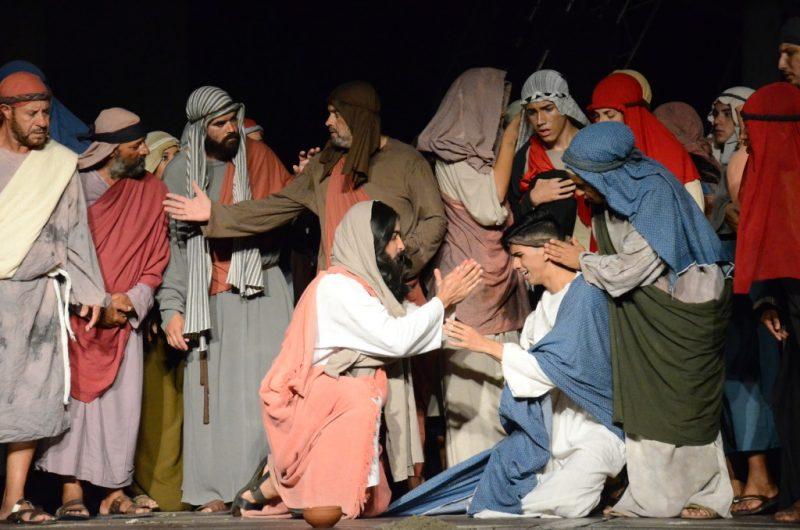 Encenação da Paixão de Cristo de Caraguatatuba traz cenas novas e é vista por mais de 30 mil pessoas (Fotos: JC Curtis/Fundacc)